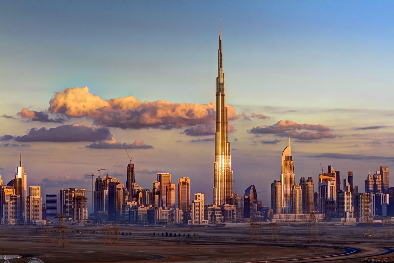 كيف أنشئ شركة في الإمارات