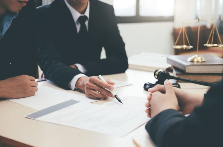 The Importance of Having a Commercial Lawyer Before Starting Your Investment