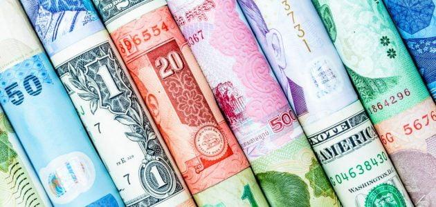ما هي العملات المتداولة بكثرة في العالم