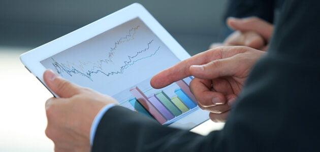 كيفية عمل تحليل شهري للسوق