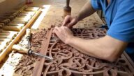الأجهزة والأدوات اللازمة لمهنة النقش على الخشب